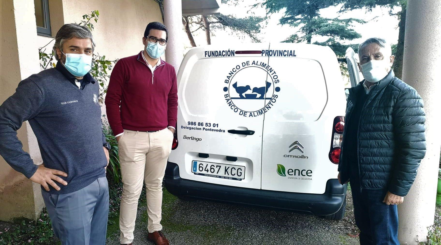 La Solidaridad Viaja En Furgoneta: Del Club Chan Do Fento A Los Hogares Más Necesitados