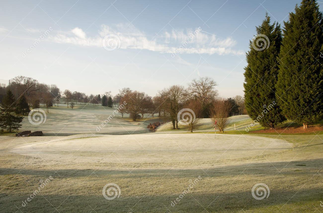«¿Por Qué No Se Debe Salir A Jugar Cuando El Campo De Golf Está Helado?» Por Javier Fuentes, Greenkeeper
